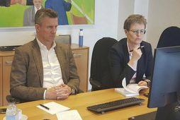 Guðni Bergsson og Klara Bjartmarz sátu fjarfund UEFA í höfuðstöðvum KSÍ í gær.