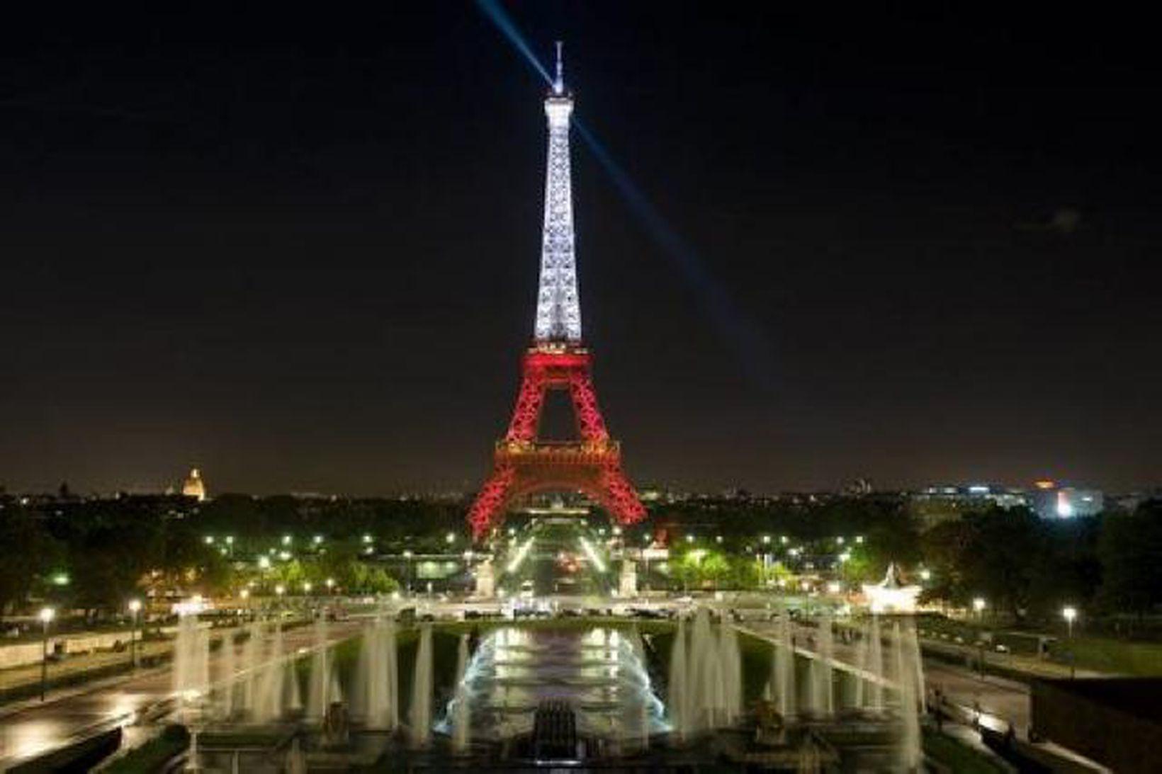 Eiffelturninn, eitt af táknum Parísar. Hann tengist fréttinni ekki beint.