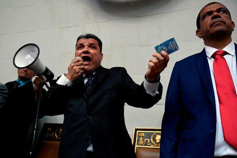 Luis Perra er annar þeirra sem hefur lýst sig þingforseta Venesúela.