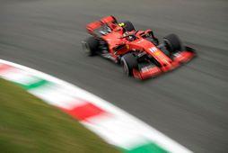 Charles Leclerc á seinni æfingunni í Monza í dag.
