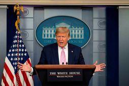 Trump segir verstu vikuna framundan en vill samt slaka á aðgerðum.