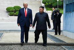 Donald Trump og Kim Jong-un í júní í fyrra. Skin og skúrir hafa einkennt vinsamband …