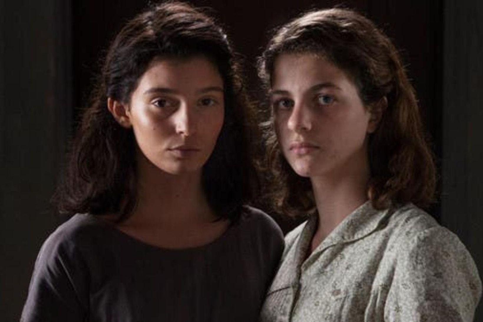 Vinkonurnar Lila og Elena Greco í þáttunum framúrskarandi vinkona.