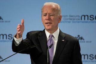 Beðið er eftir því að Joe Biden, fyrrverandi varaforseti Bandaríkjanna, gefi það út hvort hann ...