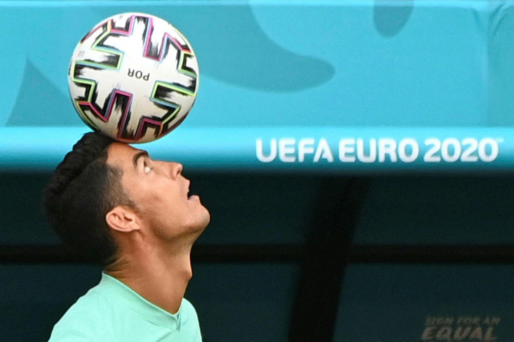 Cristiano Ronaldo, fyrirliði portúgalska landsliðsins, heldur áfram að slá met.