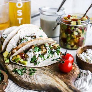 Grillað taco með salsa og sterkri sósu