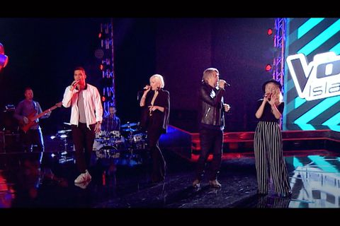 Iceland's The Voice judges do Stevie Wonder