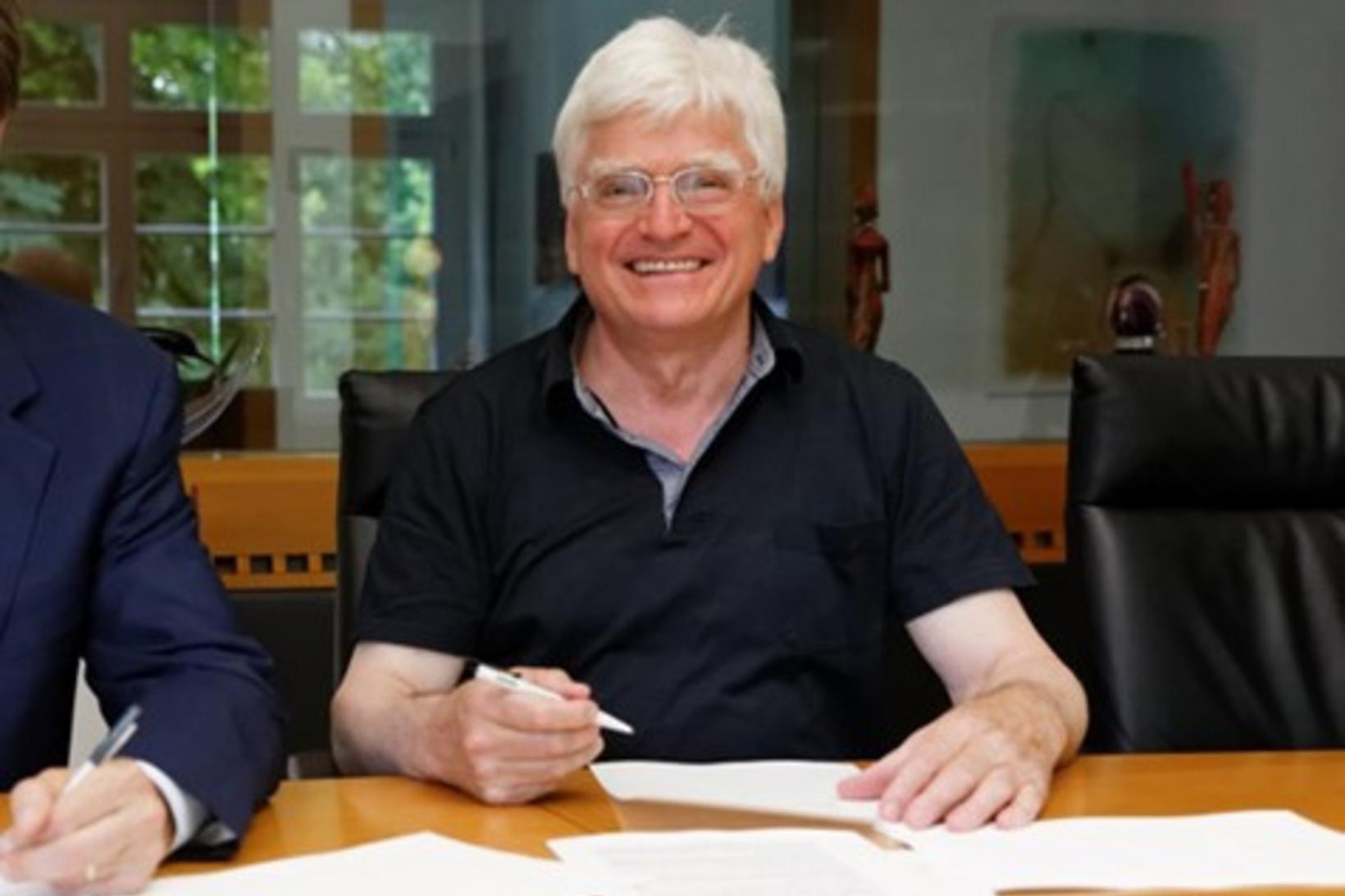 Winfried Stöcker er þekktur þýskur vísindamaður. Hann þróaði eigin bóluefni …