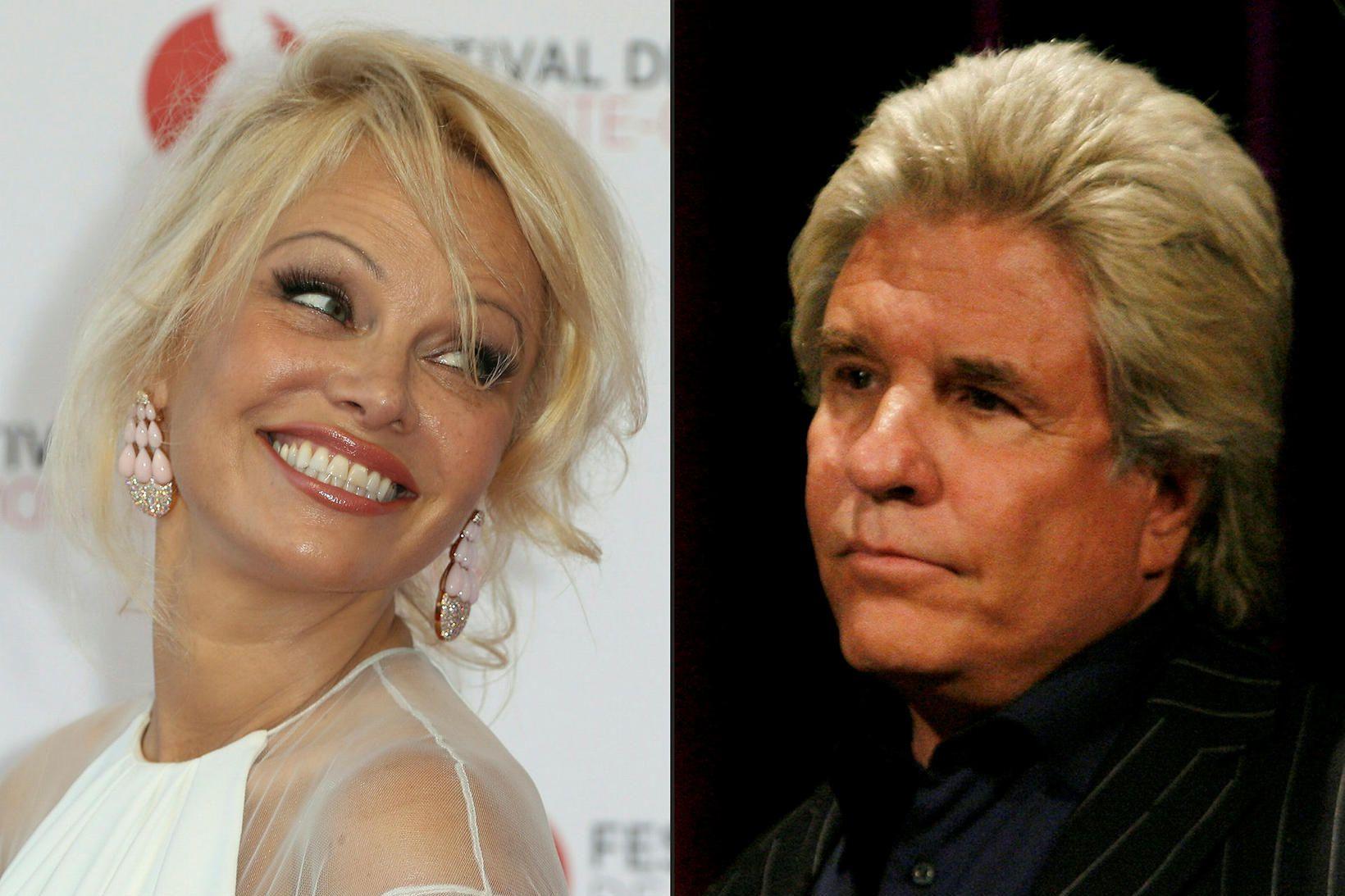 Pamela Anderson og Jon Peters greindu frá sambandsslitum eftir 12 …