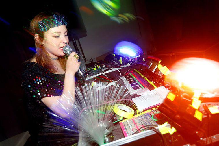 DJ. Flugvél og geimskip