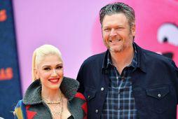 Gwen Stefani og Blake Shelton gengu í hjónaband um helgina.