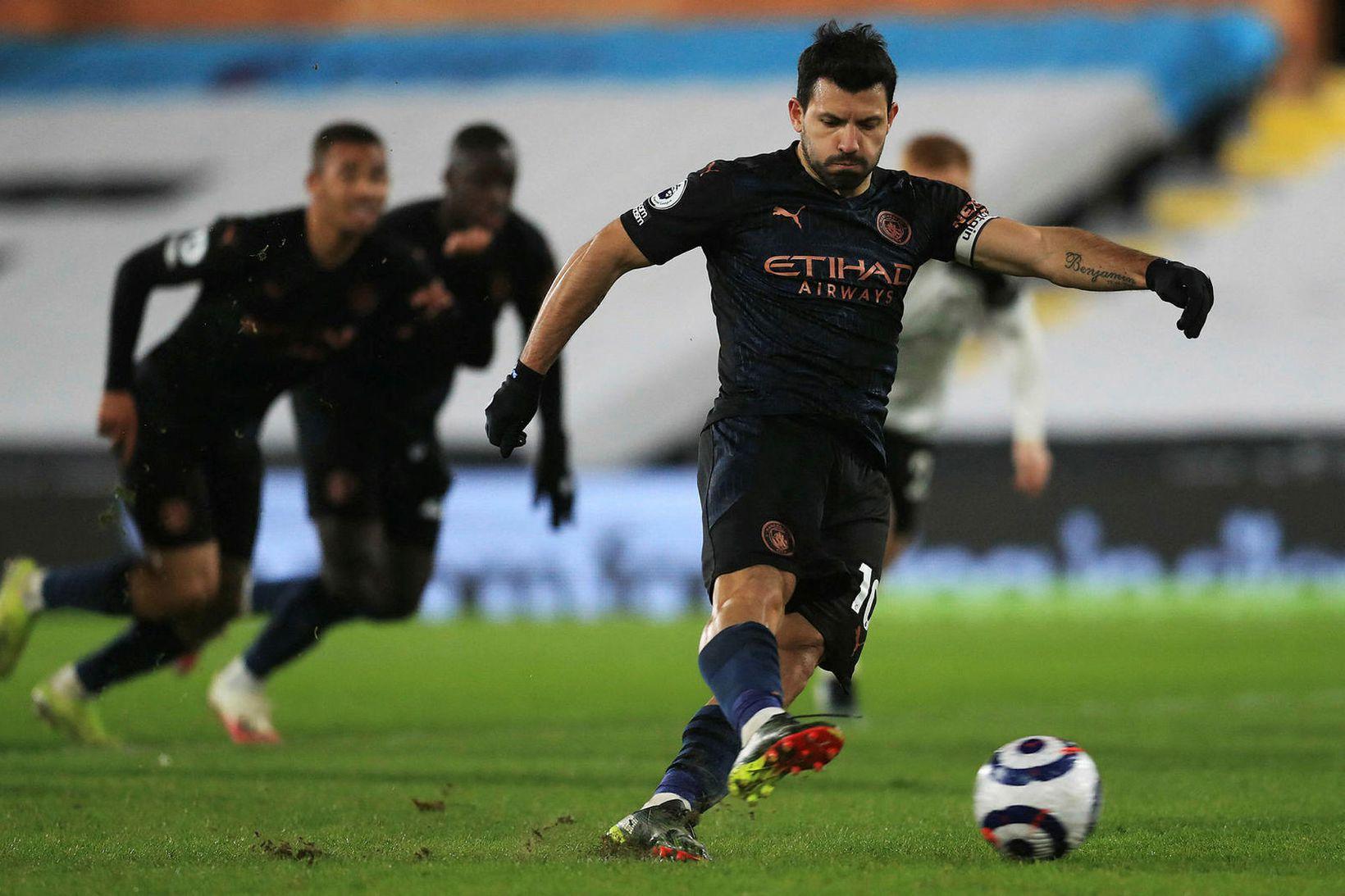 Sergio Agüero skoraði úr vítaspyrnu gegn Fulham.