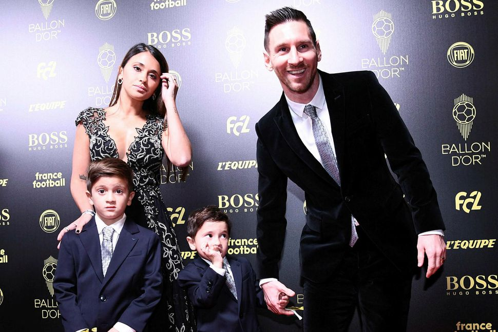 Lionel Messi, Antonella Roccuzzo eiginkona hans og synirnir Thiago og ...
