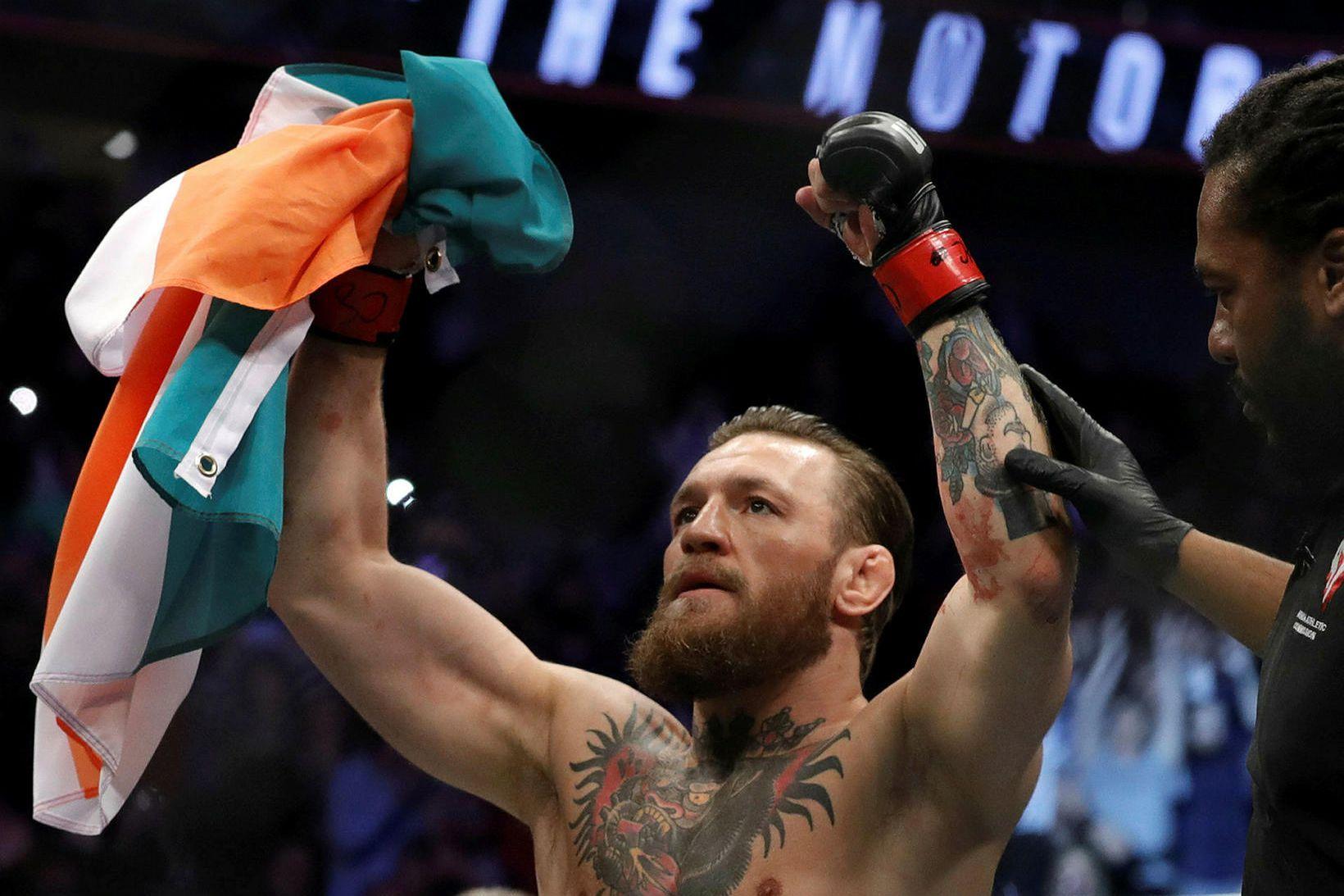 Conor McGregor er snúinn aftur í búrið og gott betur …