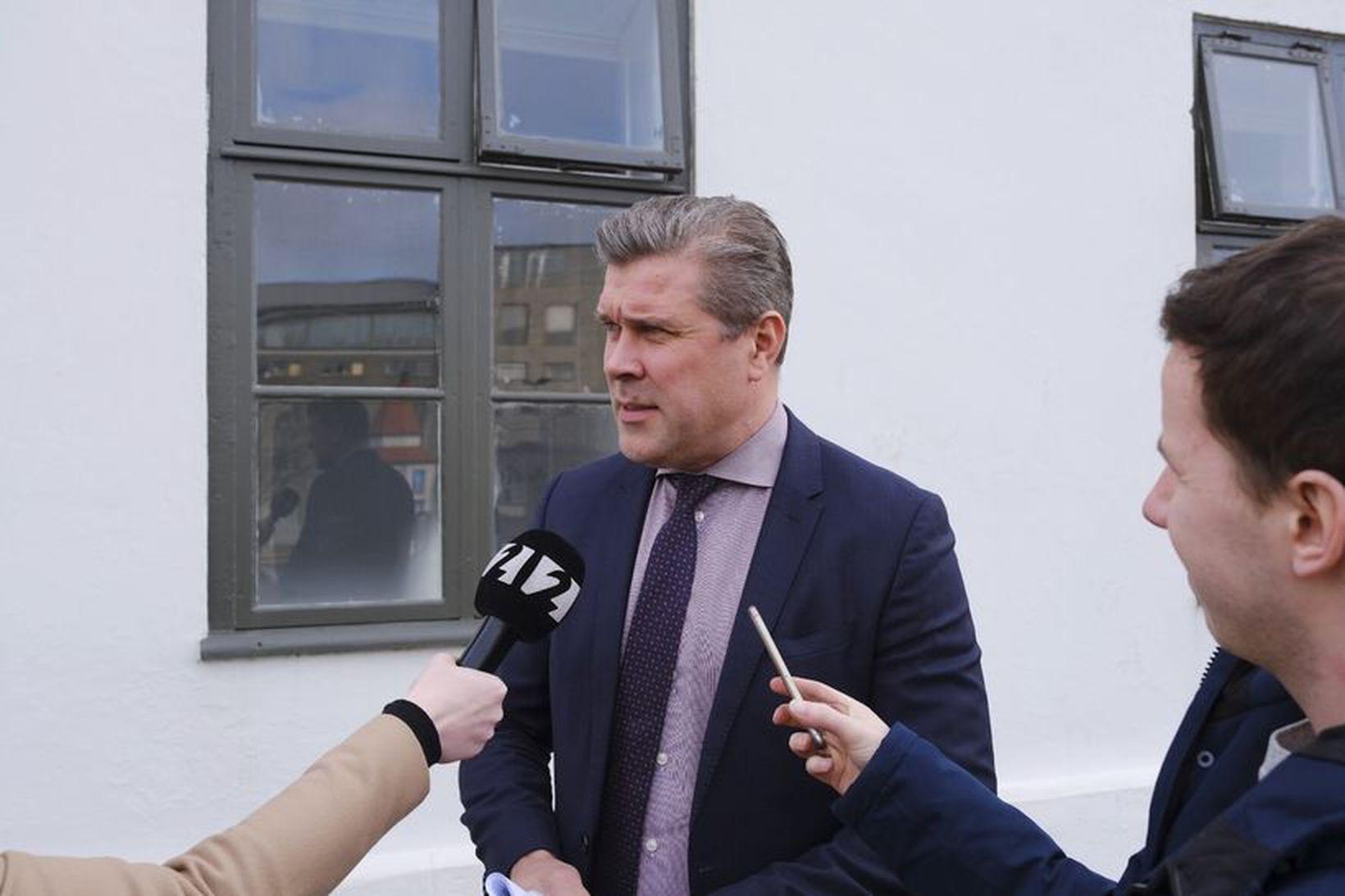 Bjarni Benediktsson fjármálaráðherra ræðir við fjölmiðla í dag eftir fundinn.
