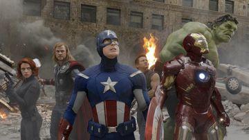 Scarlett Johansson, Chris Hemsworth, Chris Evans, Jeremy Renner, Robert Downey Jr. og Mark Ruffalo leika ...