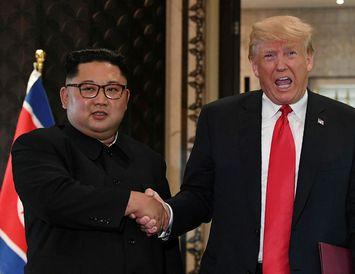 Kim Jong-un og Donald Trump hittust á leiðtogafundi í Singapúr 12. júní.