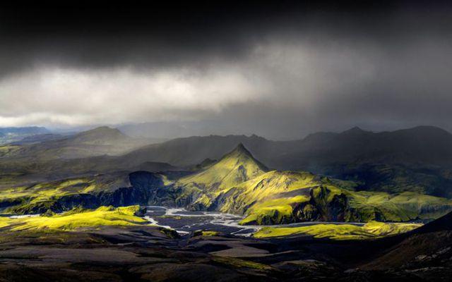 Uxatindar peaks by Skaftá river and Langisjór lake, the southern highlands.