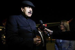 Nicolas Maduro ræddi við fréttamenn við komuna til Peking í nótt.