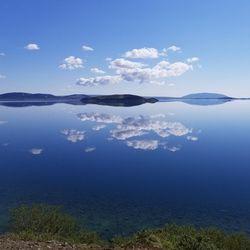 Speglun í Þingvallavatni