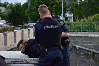 Fyrir utan Laugarneskirkju á sjötta tímanum í morgun.