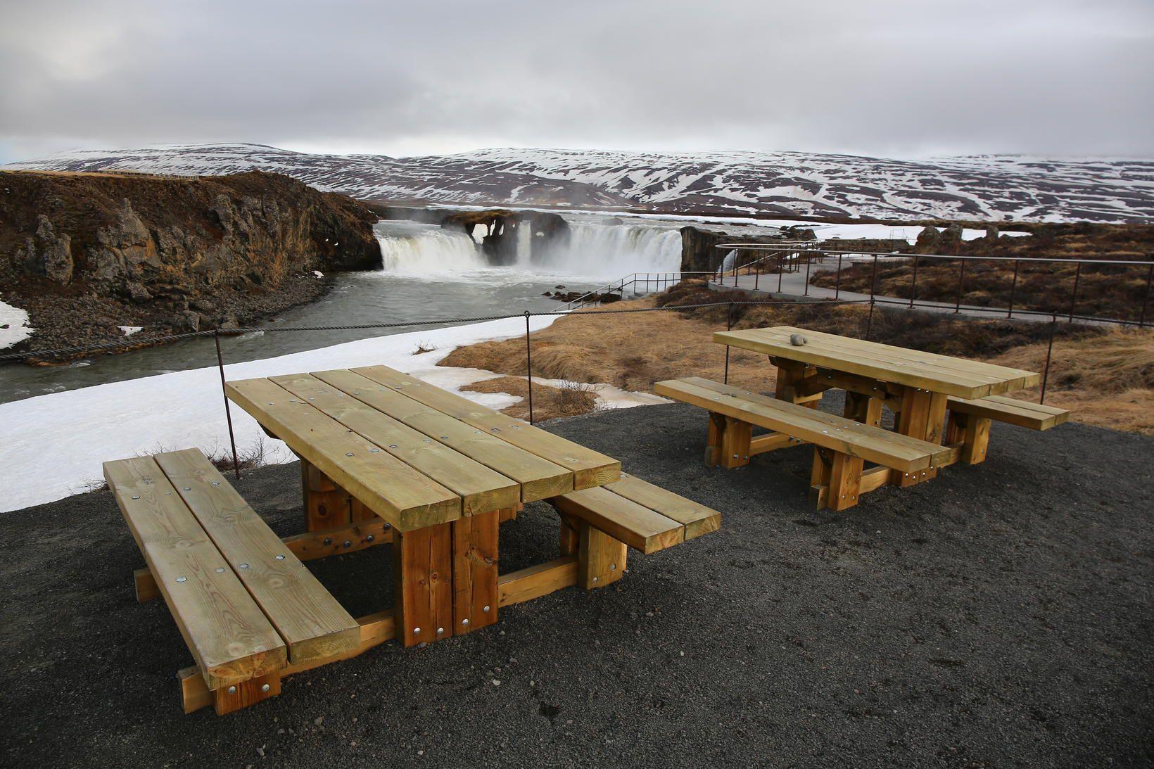 Innlendir aðilar segja sárt að svo stórt markaðsverkefni verði flutt …