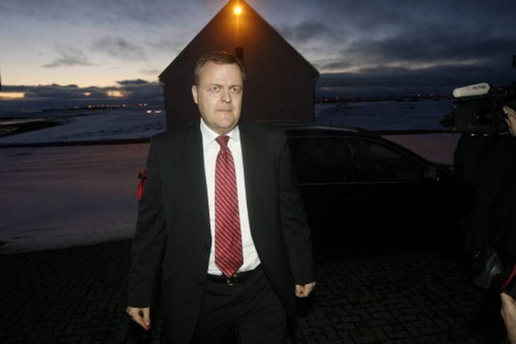 Gylfi Magnússon, verðandi viðskiptaráðherra kemur til Bessastaða.