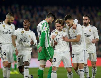 Real Madrid tapaði en fór samt áfram.