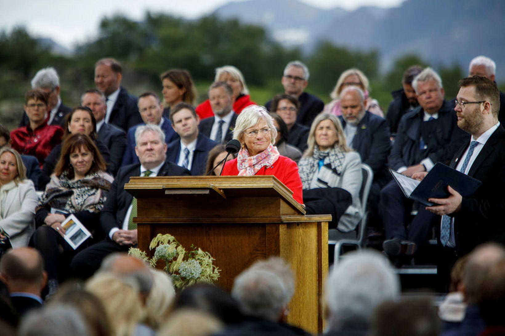 Pia Kjærsgaard flutti ræðu á hátíðarfundi Alþingis á Þingvöllum á …