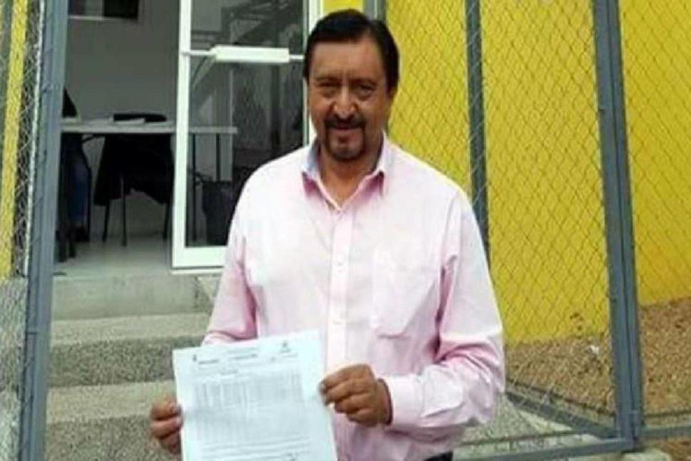 Borgarstjórinn Jorge Luis Escandón Hernández.