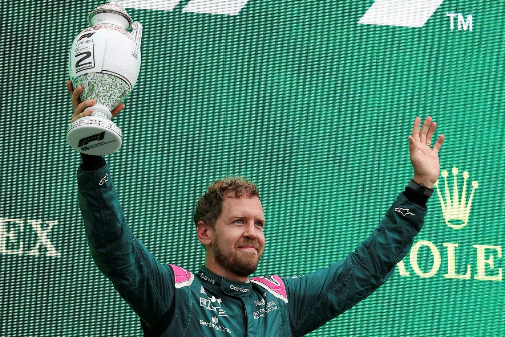 Bikarnum fyrir annað sætið í Búdapest hélt Vettel ekki lengi.