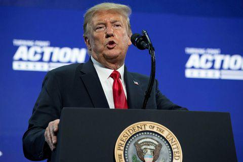 """""""Grímur eru algjörlega málið,"""" segir Donald Trump Bandaríkjaforseti, sem telur grímuskyldu samt sem áður ekki …"""