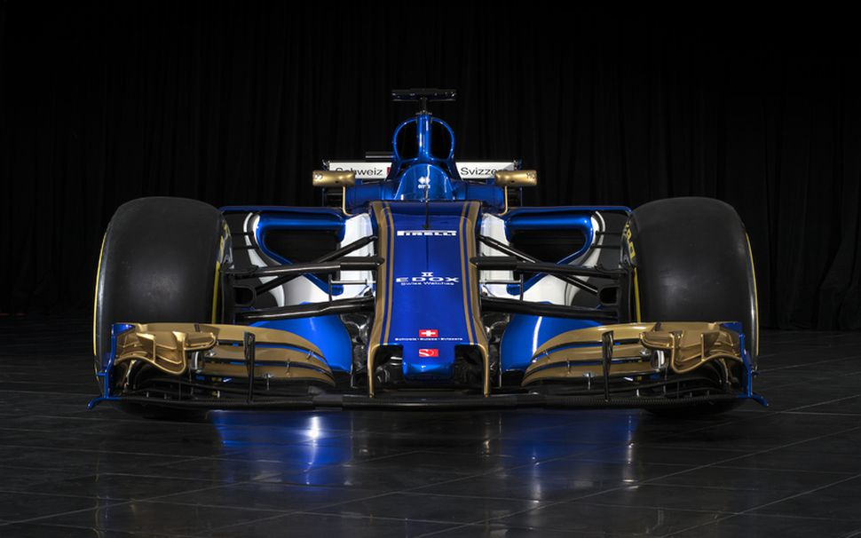2017-bíll Sauber er mjög breyttur frá í fyrra að útliti ...