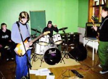 Nilfisk og Foo Fighters á æfingu.