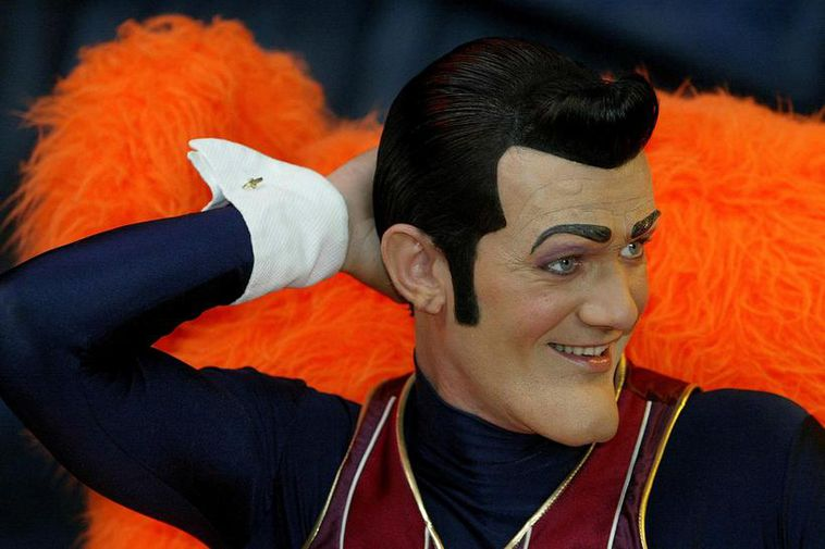 Stefán Karl in the role of Robbie Rotten.