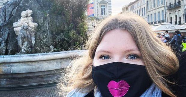 Unnur Sara á Place de la comédie í Montpellier.