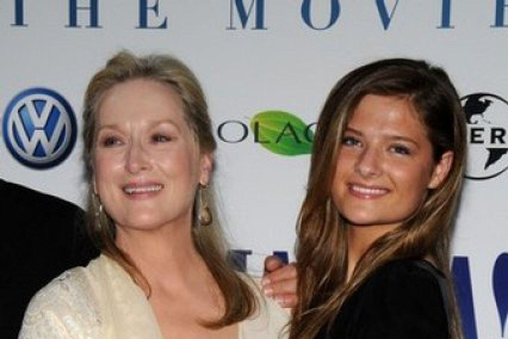 Mæðgurnar Meryl Streep og Grace Gummer á frumsýningu Mamma Mia …