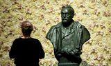 Brjóstmynd af Alfred Nobel í Konserthuset í Stokkhólmi.