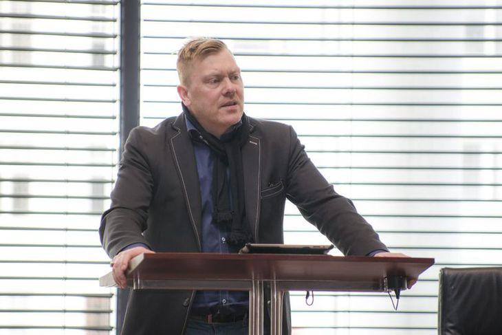 Jón Gnarr borgarstjóri stýrði þættinum Tvíhöfði með Sigurjóni Kjartanssyni félaga sínum í morgun.