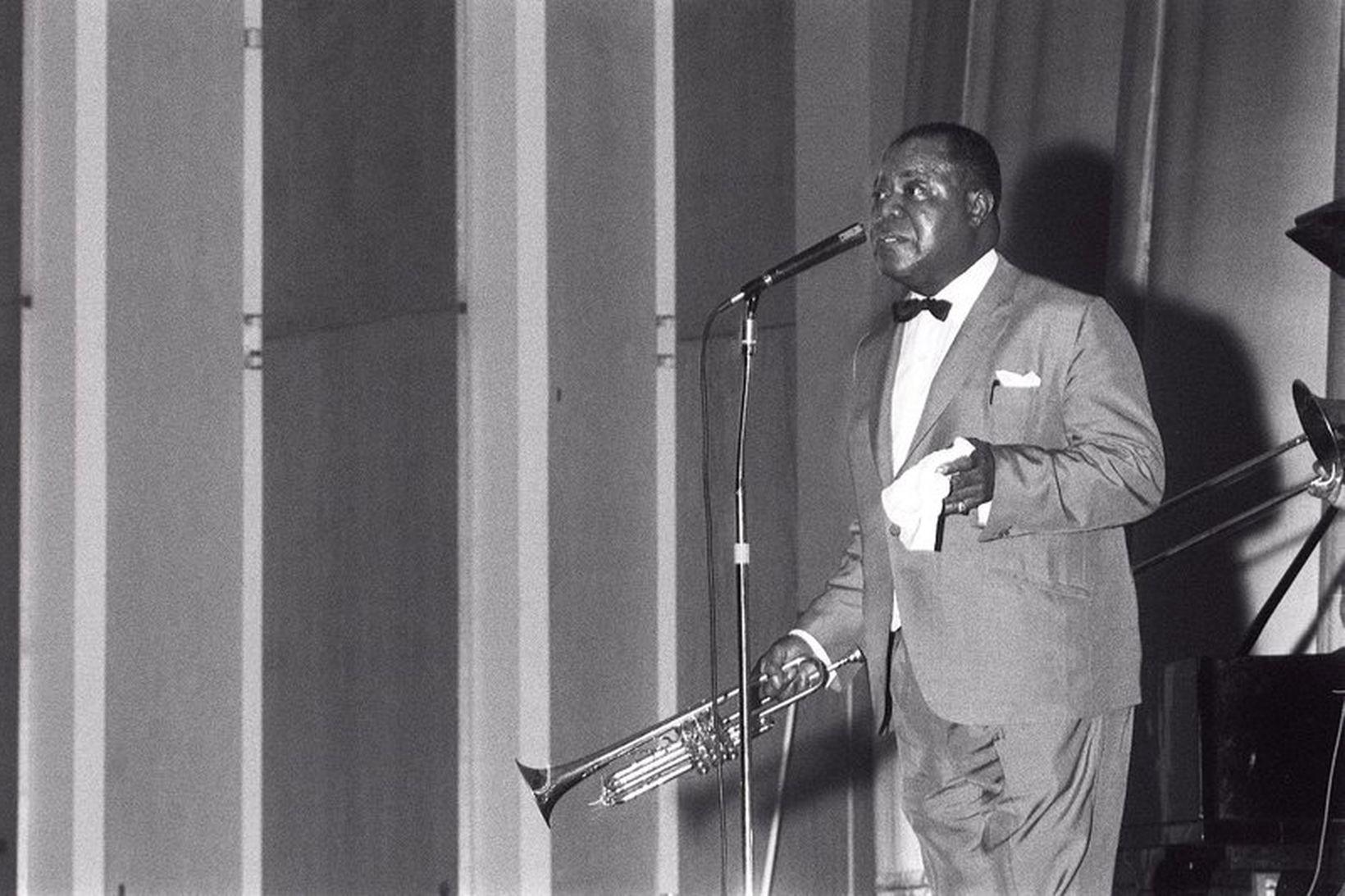 Louis Armstrong á sviðinu í Háskólabíói árið 1965.