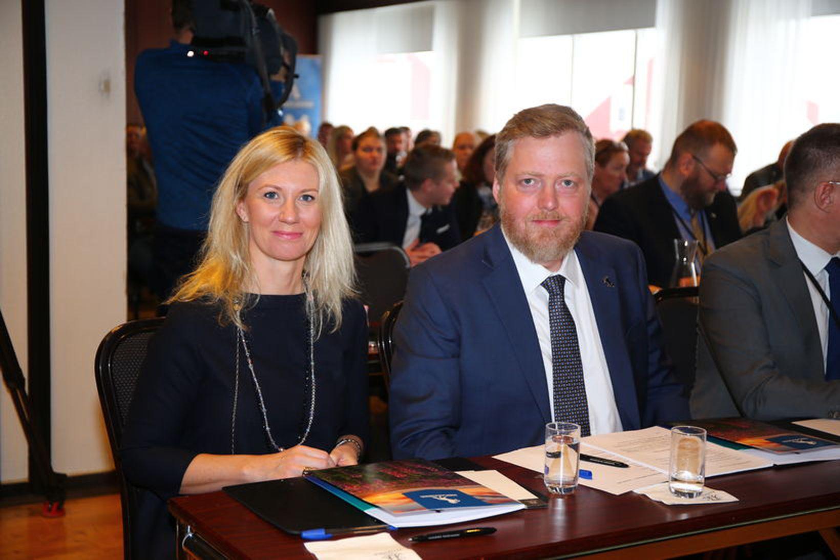 Hjónin Anna Sigurlaug Pálsdóttir og Sigmundur Davíð Gunnlaugsson. Myndin var …