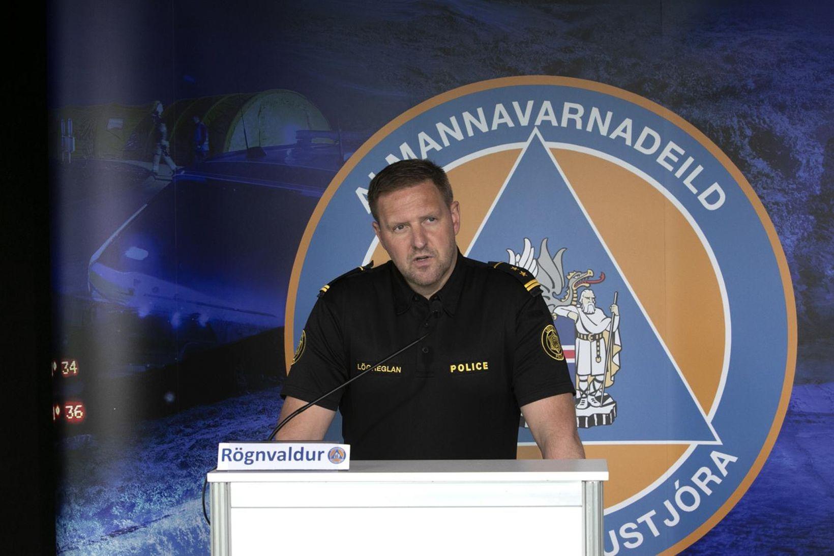 Rögnvaldur Ólafsson stýrir upplýsingafundi dagsins.