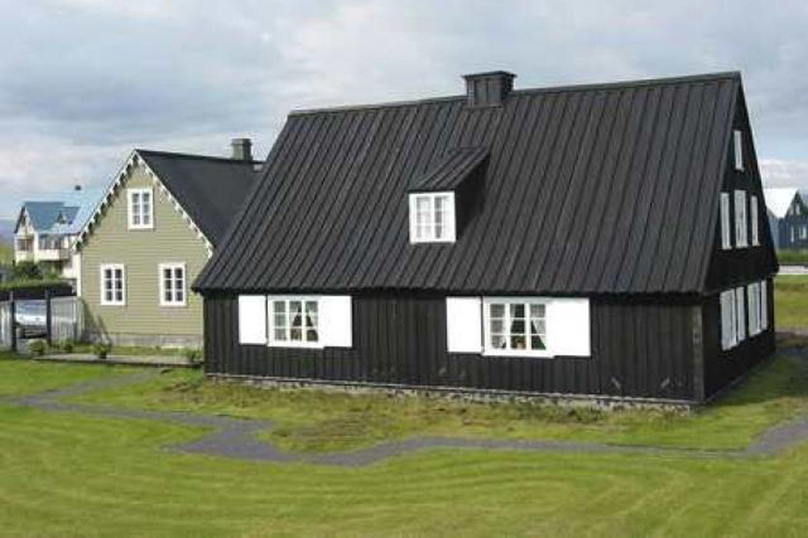 Byggðin á Eyrarbakka verður vel varin með nýjum sjóvarnagörðum.