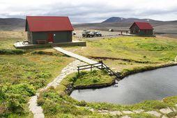 Allir skálar Ferðafélags Íslands eru nú opnir. Hér má sjá skálana á Laugafelli.