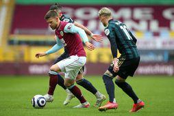 Jóhann Berg Guðmundsson og samherjar hans í Burnley sækja Leicester heim í dag.