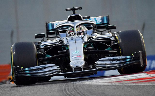 Lewis Hamilton á leið til sigurs í kappakstrinum í Abu Dhabi.