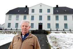 Hannes portner húsvörður segir þetta gott eftir 31 ár. Hann hefur staðið vaktina í MR …