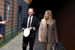 Áslaug Arna Sigurbjörnsdóttir dómsmálaráðherra og Páll Winkel fangelsismálastjóri.