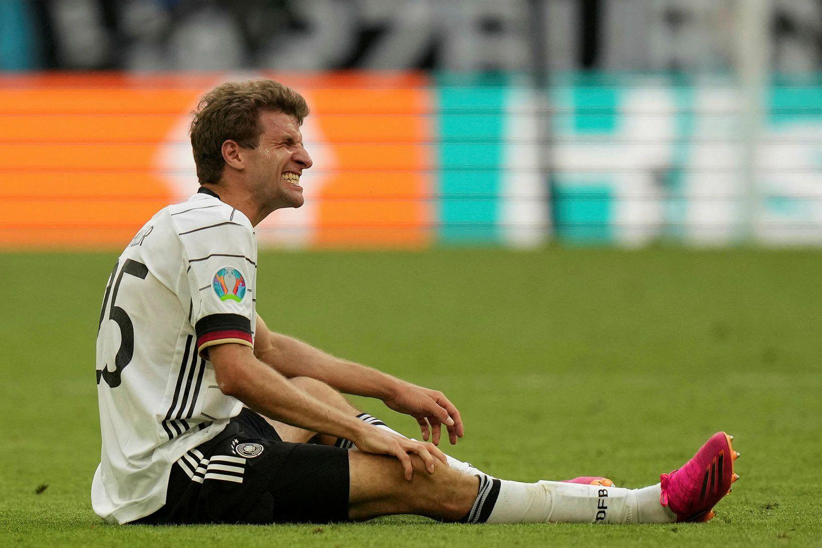 Thomas Müller er meiddur á hnéskel.