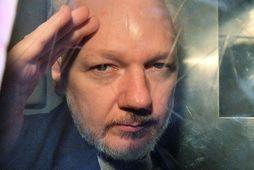 """Sérstakur sendifulltrúi Sameinuðu þjóðanna um pyntingar fullyrðir að Julian Assange, stofnandi Wikileaks, hafi sætt """"sálfræðilegum …"""